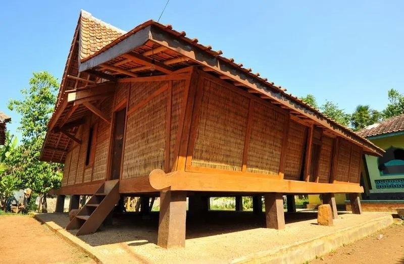 5 Jenis Rumah Adat Jawa Barat Dan Keunikannya Courtina Courtina